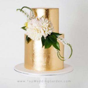 کیک با روکش طلایی